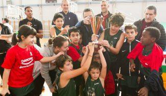 La Liga Jr NBA-FEB de La Rioja proclama a su campeón ante la mirada de dos leyendas