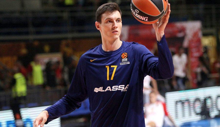 Rodions Kurucs también se presenta al Draft 2018 de la NBA