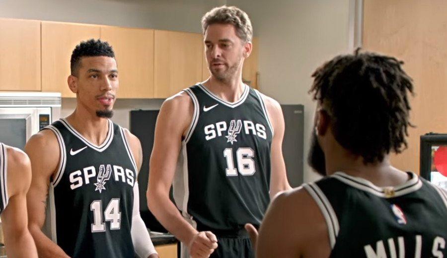"""Los Spurs hacen el """"primo"""" en su nuevo anuncio de TV: Pau, protagonista (Vídeo)"""