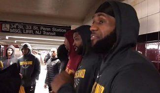 «Es mi segunda vez». LeBron y los Cavs van a entrenar en Nueva York… ¡en metro! (Vídeo)