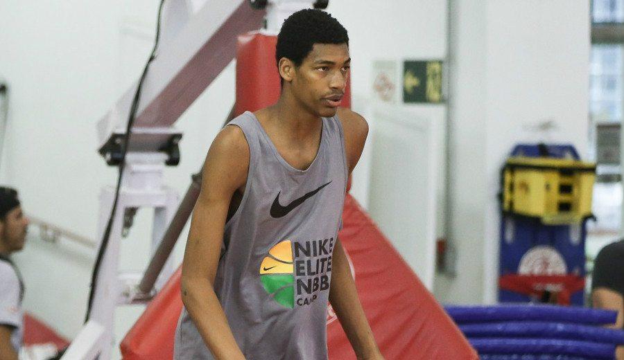 La Penya ficha a un 2,13 de 16 años para su cantera: conoce al brasileño Vinícius Lúcio