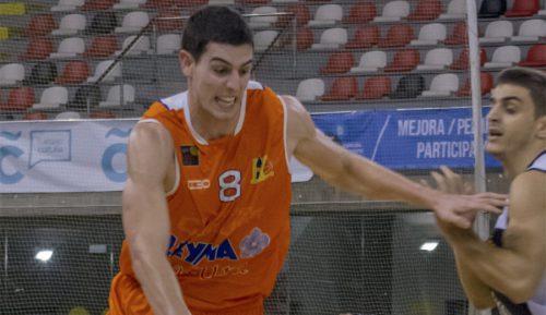 El jugador del Coruña que salvó la vida a un pasajero relata el episodio en primera persona