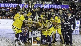 Baloncesto, juguetes y sonrisas en el IV Basketball Christmas Edition