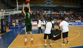 Santi Aldama, campeón del concurso de triples del Torneo Junior de Tenerife (Vídeo)
