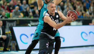 Javi Salgado renueva con Bilbao Basket