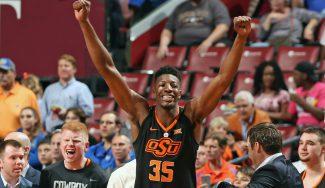 Yankuba Sima se estrena con Oklahoma State: anota y vence ante un Top 25 NCAA (Vídeo)
