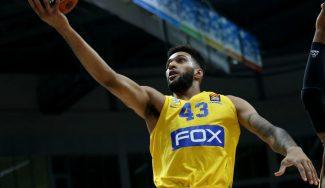 El 'Sixer' del Maccabi se sale ante la mirada de Colangelo: firma su mejor actuación (Vídeo)