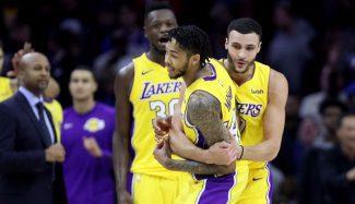 Los Lakers sobreviven al partidazo de Embiid y Simmons: triple ganador de Ingram (Vídeo)