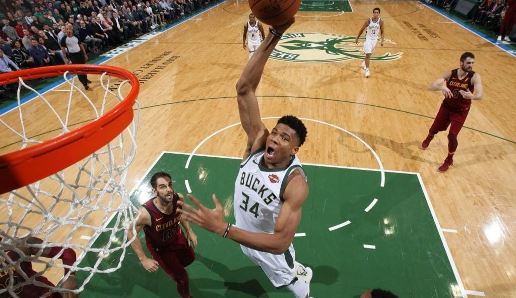 Los mejores highlights de Giannis Antetokounmpo, 'The Greek Freak'