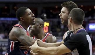 Lío en el Wizards-Bucks: Wall llama sucio a Dellavedova por un placaje