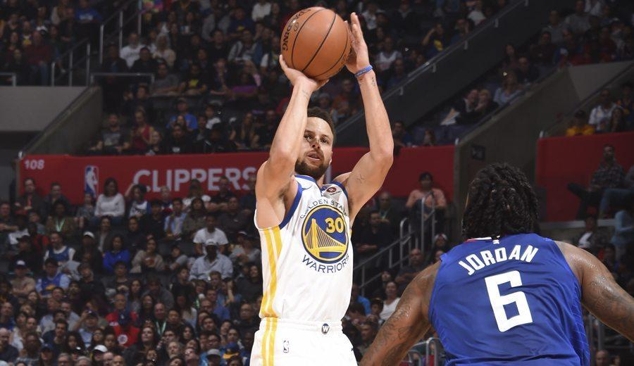 Curry firma su mejor anotación del curso: 45 puntos en ¡30 minutos!