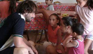 Doblas, portavoz solidario en Concordia: desayuno con niños sin recursos