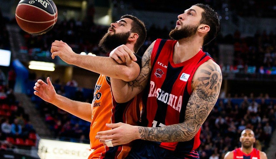 Granger y Poirier tumban al Valencia: show y rebotes claves del francés