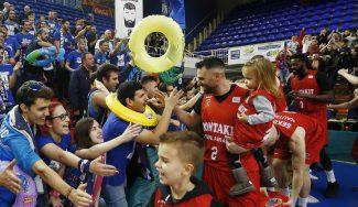 Popovic mete al Fuenla en la Copa con un canastón: fiesta y aviso al Che
