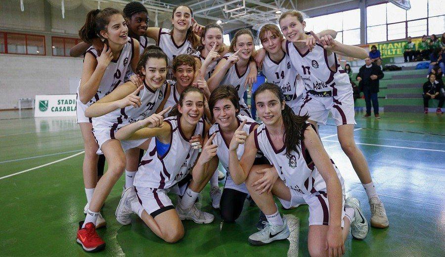 El Sant Adrià, Gigante Trabajo de Cantera, gana la Minicopa Femenina