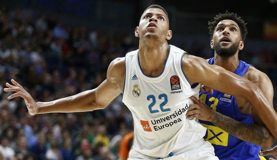 Tavares lidera el triunfo ante Maccabi: doble tapón y guiño a Mutombo
