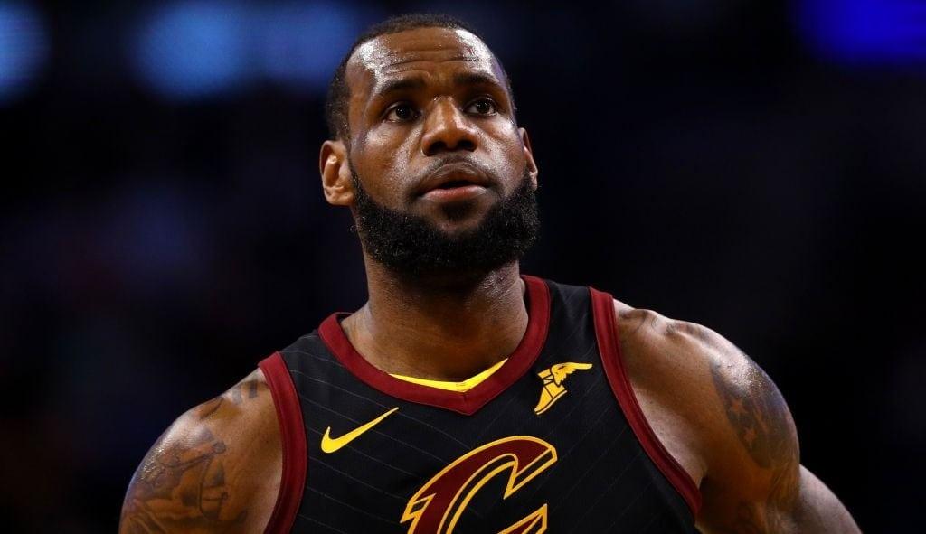 LeBron James baraja cuatro posibles destinos para la próxima temporada