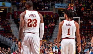 LeBron aplaude la reaparición de Derrick Rose: «Lo ha dado todo»
