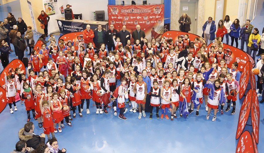 Más de 400 niños abren la 2ª edición de la SuperLiga DIA en Zaragoza y Salamanca
