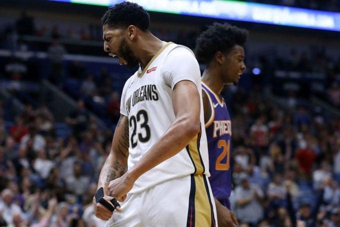 Los mejores momentos de los fans con los jugadores en la NBA la pasada temporada