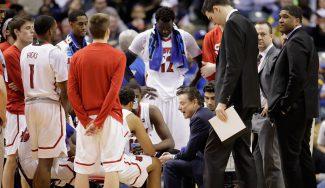 Louisville, sancionada por la NCAA: perderá el título de 2013