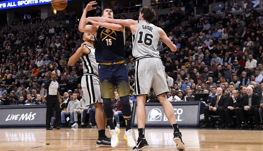 El 10º triple-doble de Jokic en la NBA hace daño a los Spurs de Pau Gasol