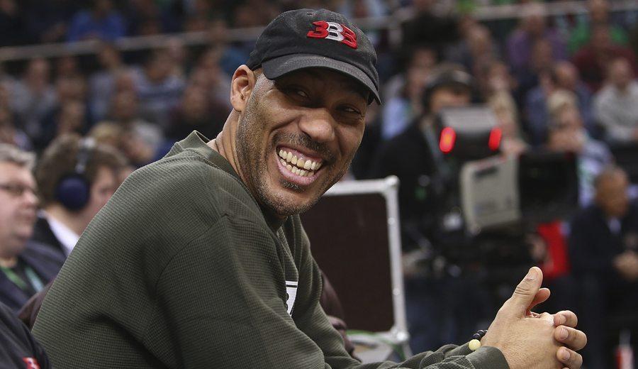 LaVar Ball exige a los Lakers: Lonzo se irá si no traen a sus 2 hermanos