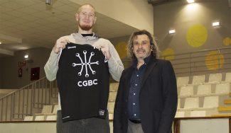 Un ex NBA, a Primera Nacional: el Círculo Gijón ficha a Robert Swift