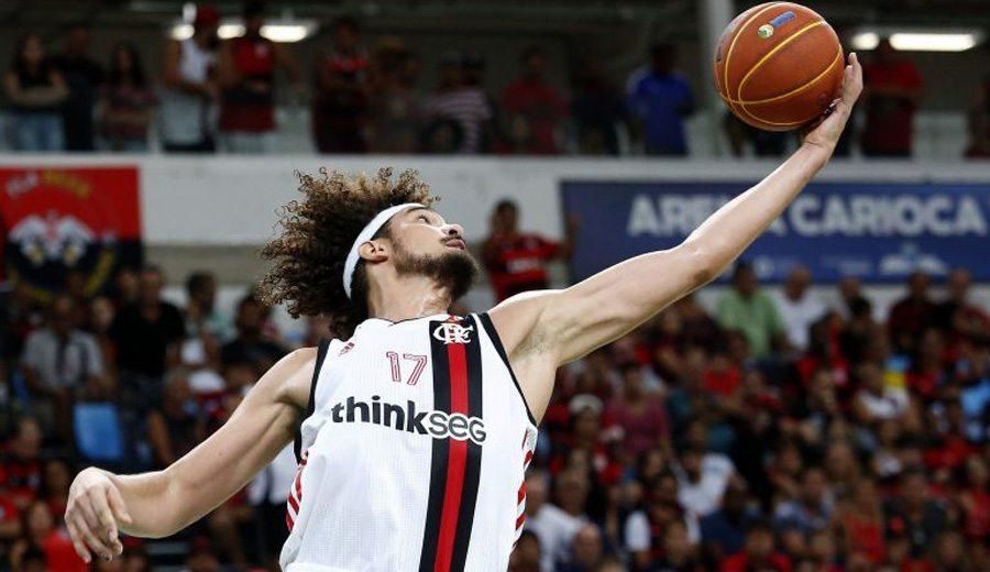 Varejao vuelve a las pistas en Brasil: disfruta lo mejor de su debut, aquí
