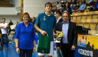 El madridista Kostadinov, campeón del concurso de mates de la Szent Istvan Cup