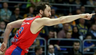 El Chacho reparte magia y roza el doble-doble en otro triunfo del CSKA