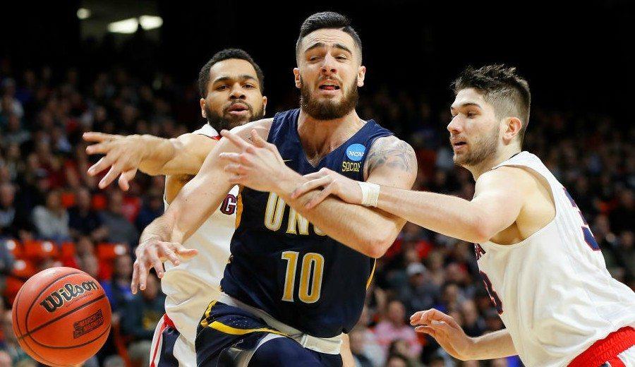 Francis Alonso sigue haciendo historia en la NCAA