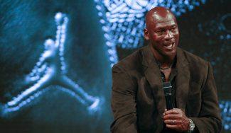 Michael Jordan vende parte de sus acciones de los Hornets