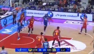 El Murcia gana al GBC sin apuros y con 'show': taponazo de Kloof