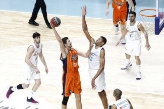 El dúo sacapuntas del Real Madrid: Tavares y Campazzo derrotan al Valencia
