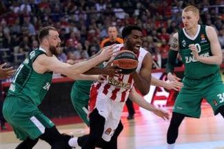 El Olympiacos supera el susto y empata la serie contra el Zalgiris