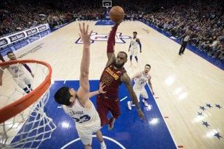 Las mejores jugadas de LeBron James durante la temporada 2017-18