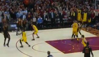 Triplazo de LeBron James en la victoria de los Cavaliers ante los Pacers