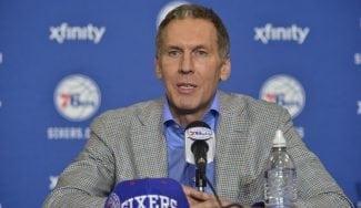 Lío en los 76ers: acusan a Colangelo de criticar a su equipo en Twitter