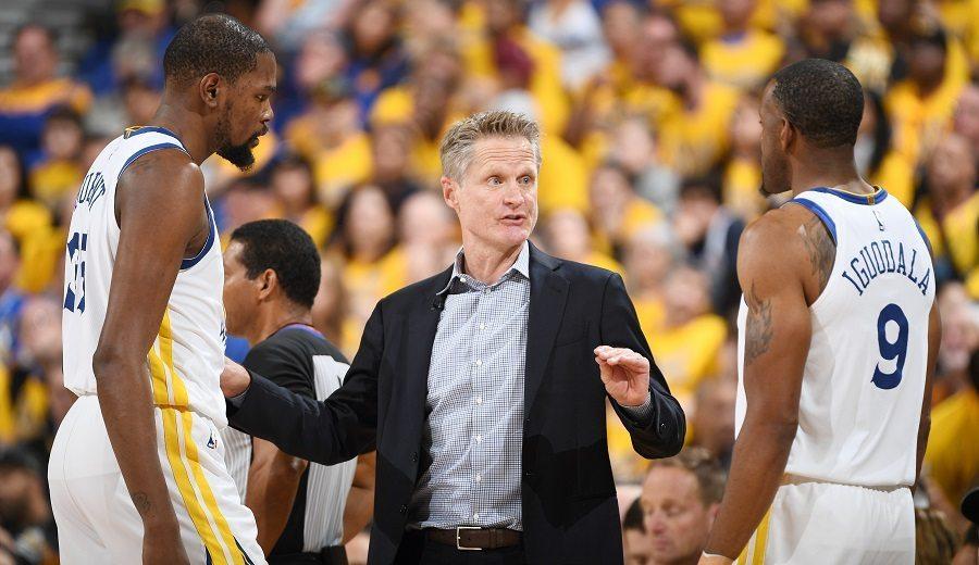 Durant se sale ante los Pelicans, pero Kerr se deshace en elogios hacia Iguodala