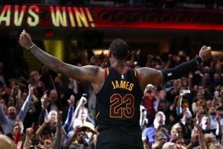 LeBron James vuelve a hacerlo: canastón decisivo y números históricos