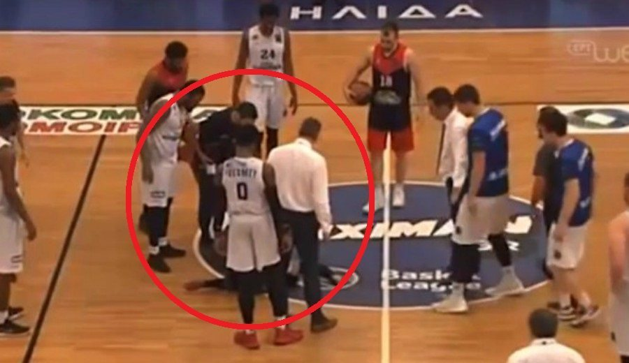 Susto en la liga griega: Jahii Carson pierde el conocimiento en mitad de un partido