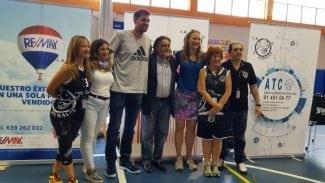 Pepu Hernández, Felipe Reyes y Leslie Knight se juntan en el acto de final de temporada del CB Perales