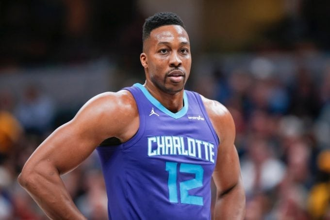 Los Charlotte Hornets traspasan a Dwight Howard a los Nets