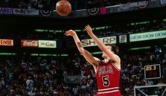 El triple de John Paxson que le dio el triplete a los Bulls de Jordan