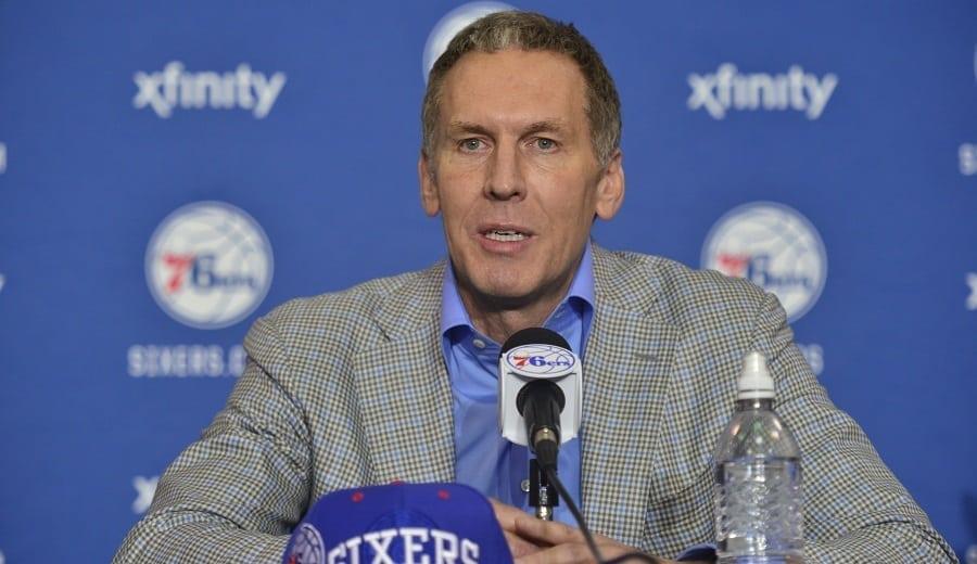 Bryan Colangelo deja los Sixers tras la polémica de las cuentas falsas de Twitter