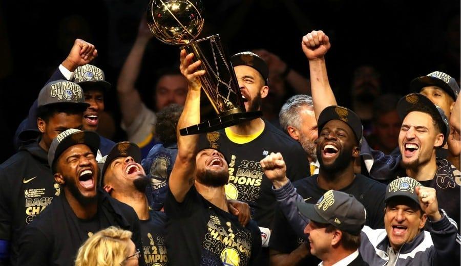 Los Warriors se proclaman campeones arrasando a los Cavs