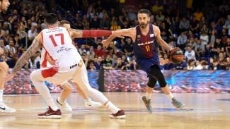 El Barça salva el primer 'match-ball' contra el Baskonia en el último segundo