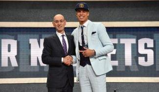 Denver renueva a su gran apuesta pese a que no ha debutado en NBA