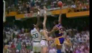 El inolvidable 'baby hook' de Magic Johnson contra los Celtics